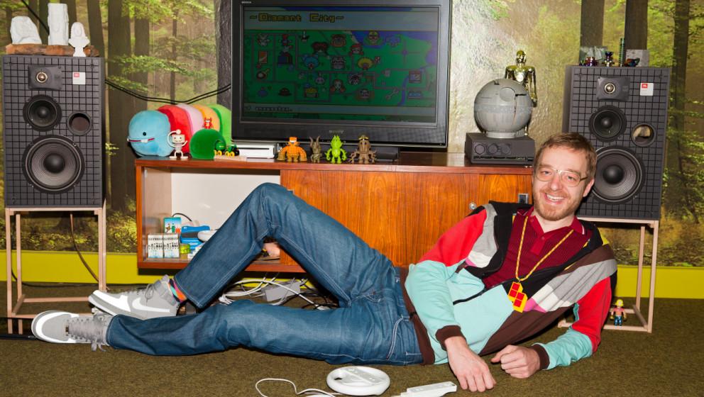 Andrew, 29, schätzt auf der Wii die bunten Spiele und findet, dass eine Konsole nicht groß sein muss, um Spaß zu machen. Delicious Toys heißt seine Firma.