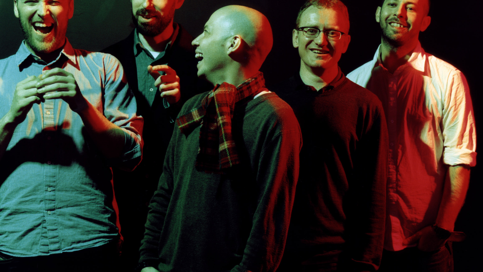 Barry Burns links. Rest von Mogwai: daneben.