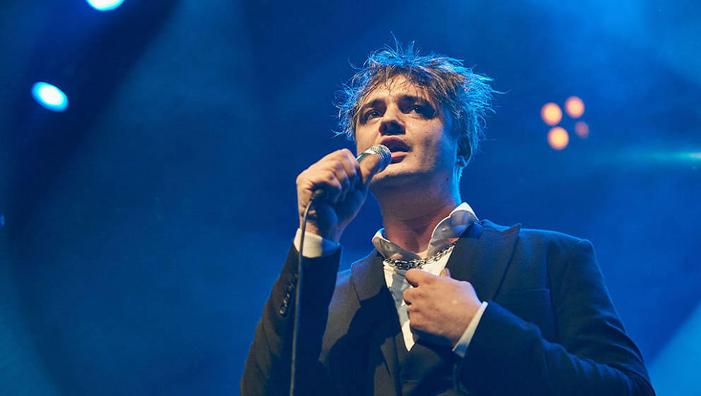 LONDON, ENGLAND - DECEMBER 06:  Peter Doherty & The Puta Madres perform at O2 Forum Kentish Town on December 6, 2016 in L