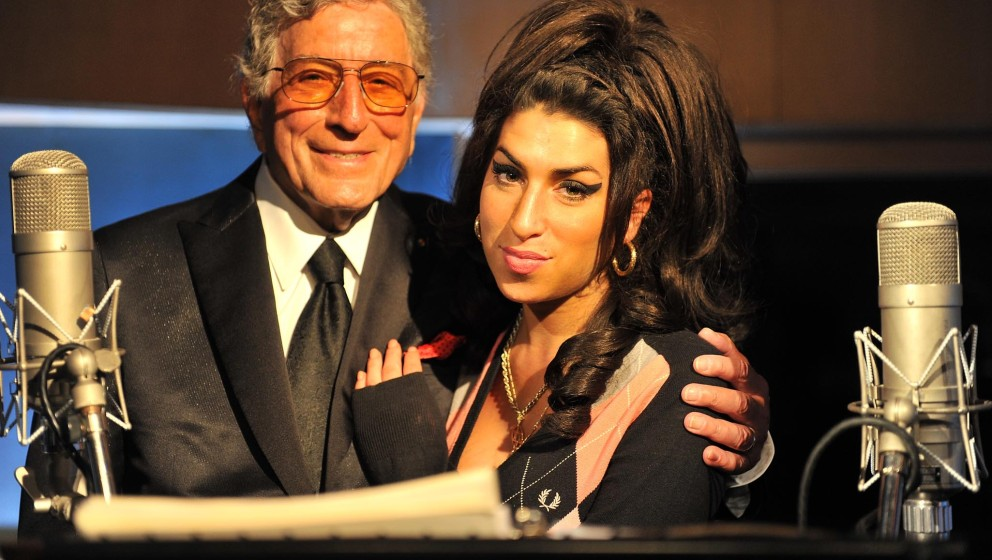Tony Bennett is joined by Amy Winehouse to record a track for his forthcomming duets album at London's Abbey Rd Studios on 23