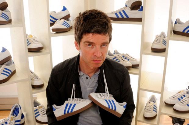 Noel Gallaghers limitierte Adidas Schuhe. Wir sagen, wo es