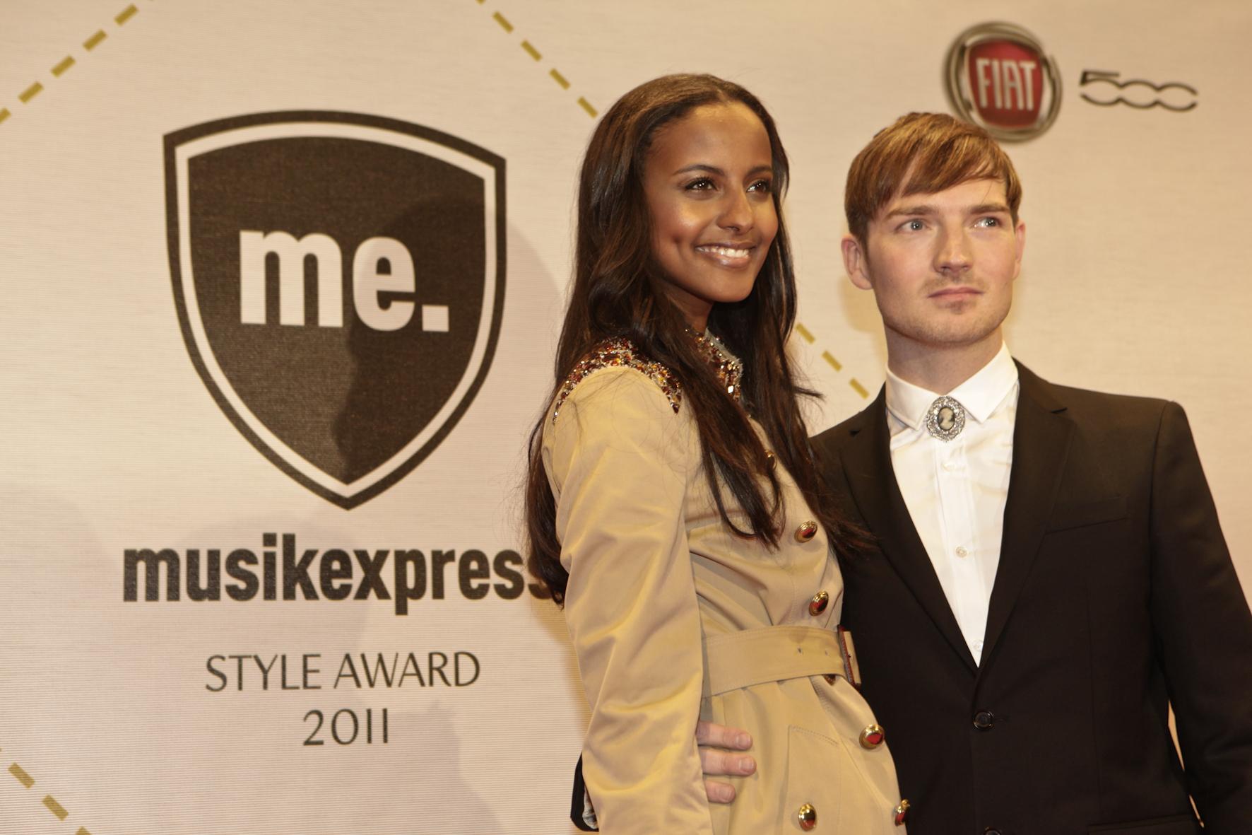 Germany's Next Top Model Sara Nuru mit The-Feeling-Sänger Dan Gillespie Sells