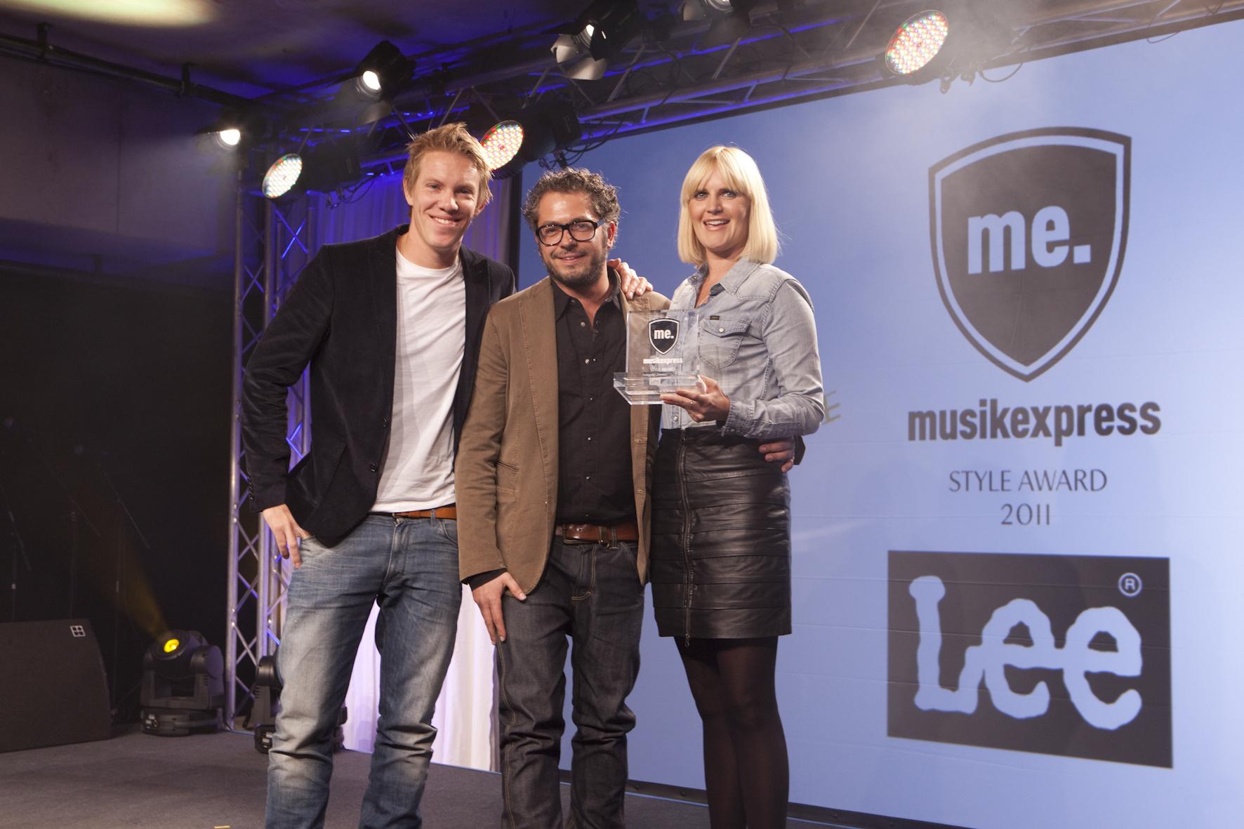 Simon Gosejohann mit Alexander Hass und Judith Jahnke von LEE.