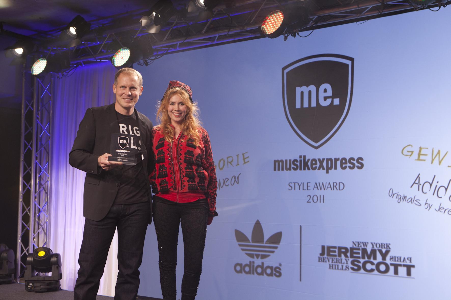 Martin Schindler (Adidas Originals) mit Palina Rojinsky