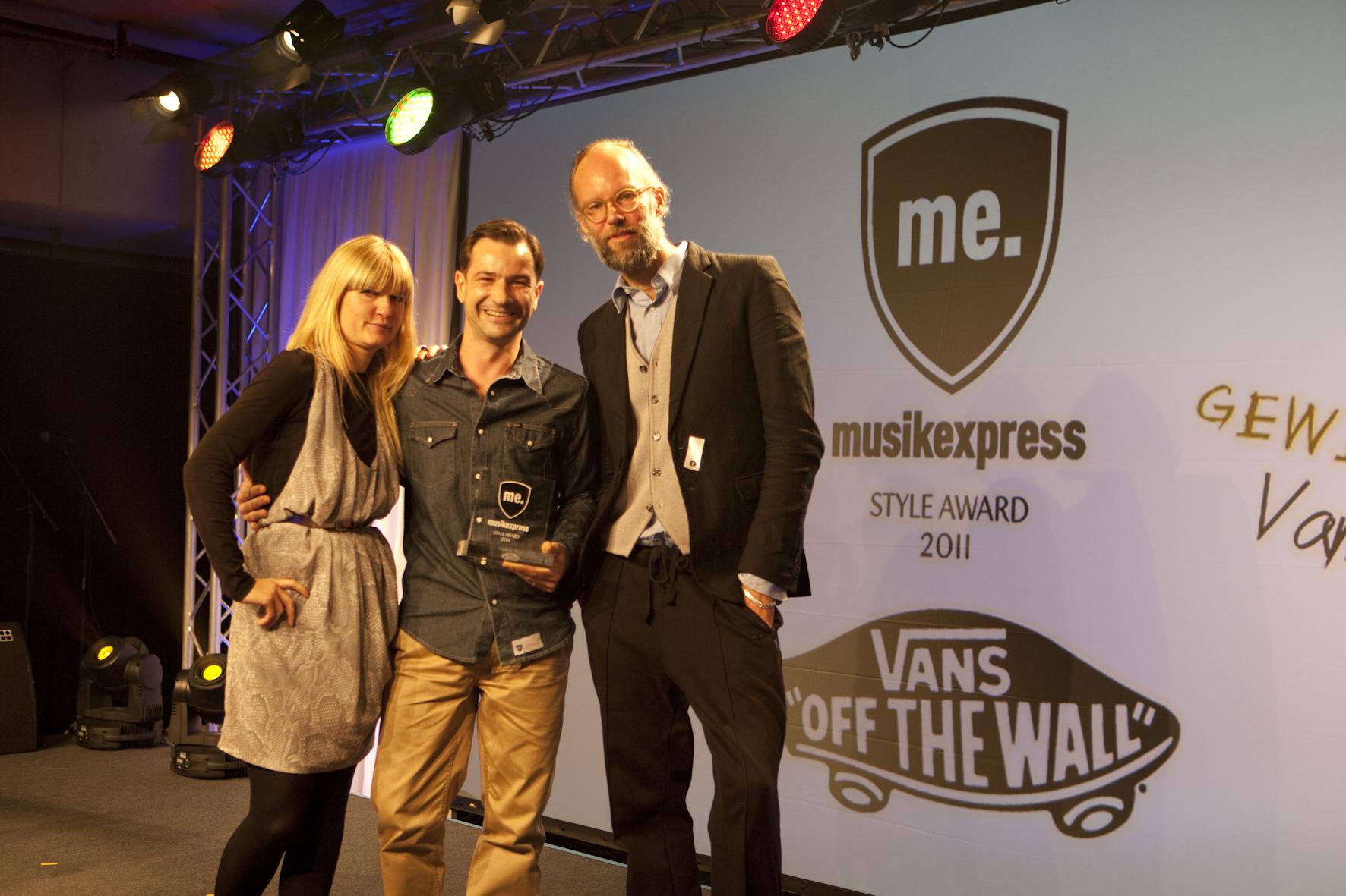 Kristin Rosche und Ralf Schumacher von Vans mit Jan Joswig