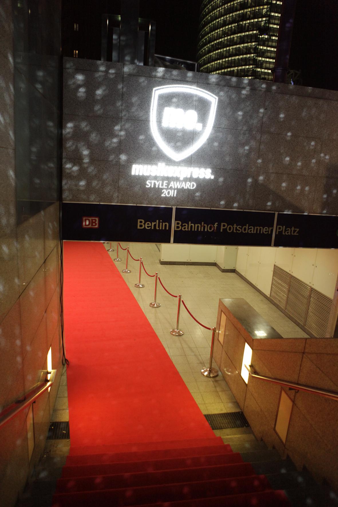 Der Eingangsbereich der U3 am Potsdamer Platz, wo die Musikexpress Style Awards 2011 vergeben wurden.