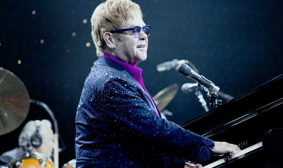 8. Elton John - 54 Mio. Dollar