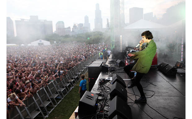 CHICAGO, IL - AUGUST 05:  Alice Glass of Crystal Castles performs onstage during 2011 Lollapalooza at Grant Park on August 5,