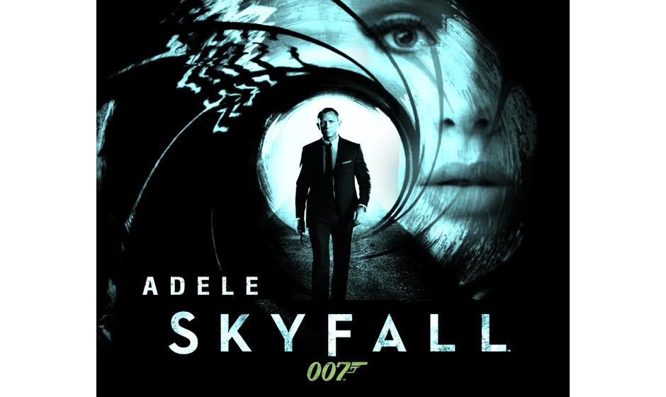 Adele singt 'Skyfall', den den Titelsong zum gleichnamigen James-Bond-Film.