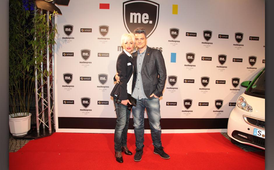 Topmodel Wanda Badwal mit Felix Rachor