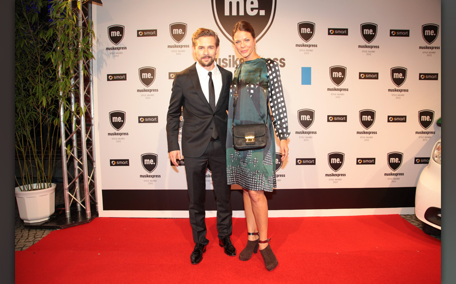 Moderator Klaas Heufer-Umlauf mit Jessica Schwarz beim Musikexpress Style Award 2012
