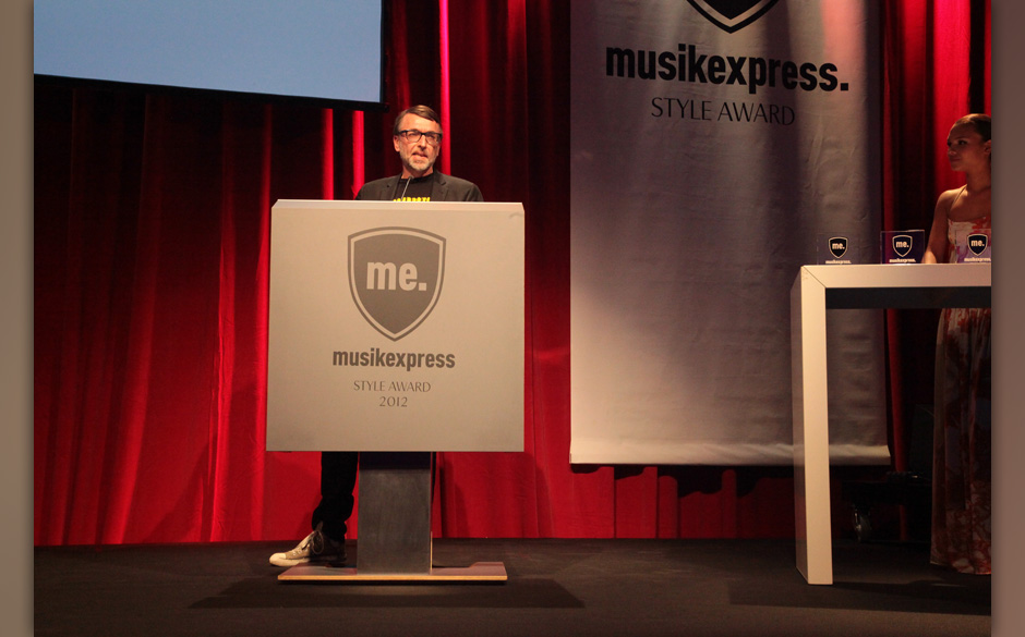 ME-Redakteur Albert Koch hielt die Laudatio für Mathias Munk Modica, dem 'Best Performer Domestic'
