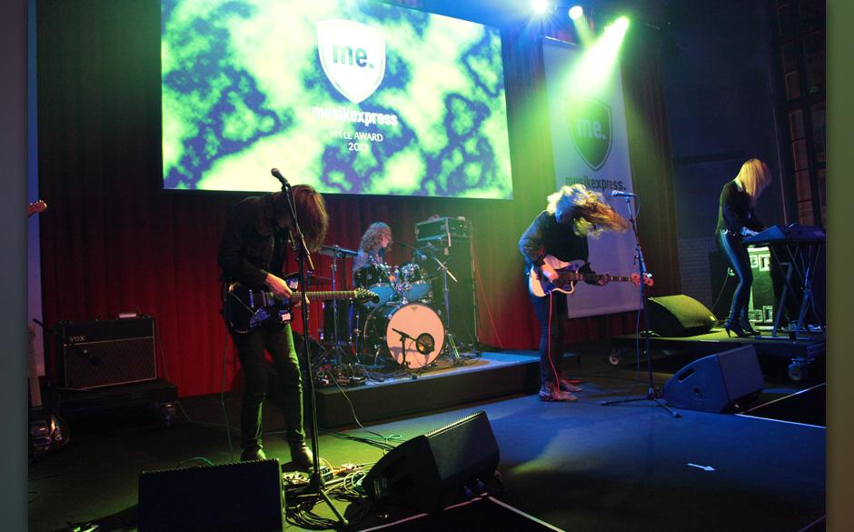 MUSIKEXPRESS STYLE AWARD 2012: TOY, die 'Best Performer International', spielten ein exklusives Set.