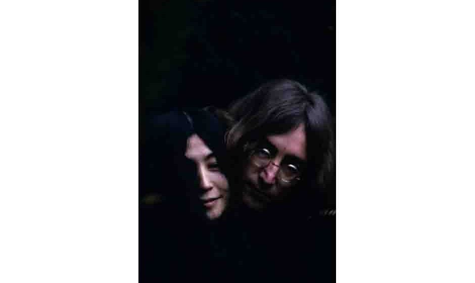 British musican and artist John Lennon (1940 - 1980) and Japanese-born artist and musician Yoko Ono. December 1968.