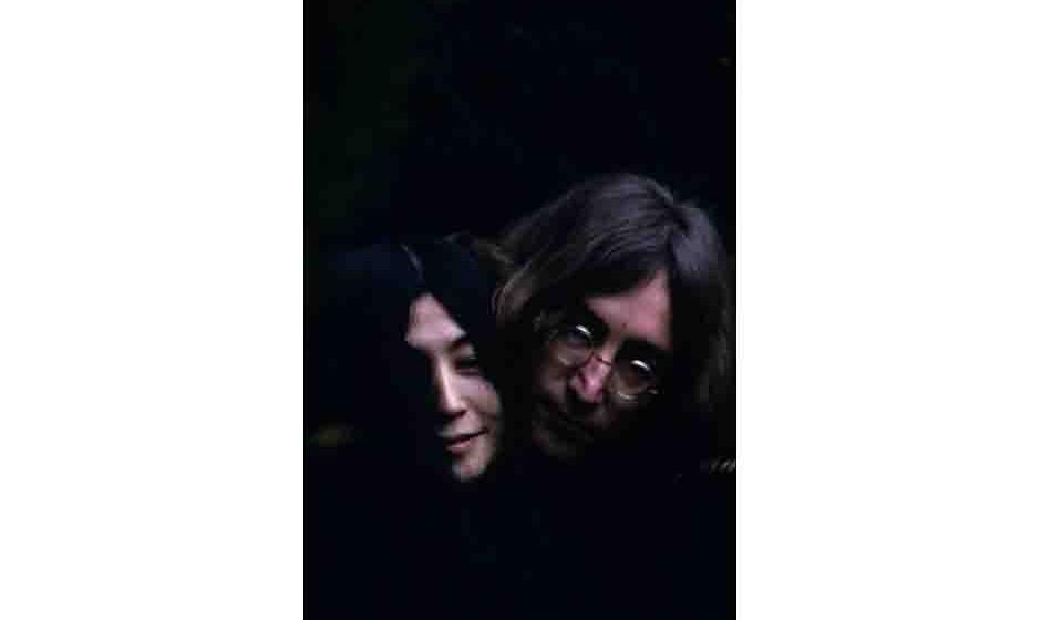 British musican and artist John Lennon (1940 - 1980) and Japanese-born artist and musician Yoko Ono. December 1968.