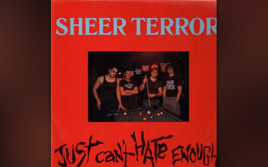 Pink Eyes über Sheer Terror 'Just Can't Hate Enough': Er ist der geborene MC, der die Zuschauer komplett anmachen kann, aber