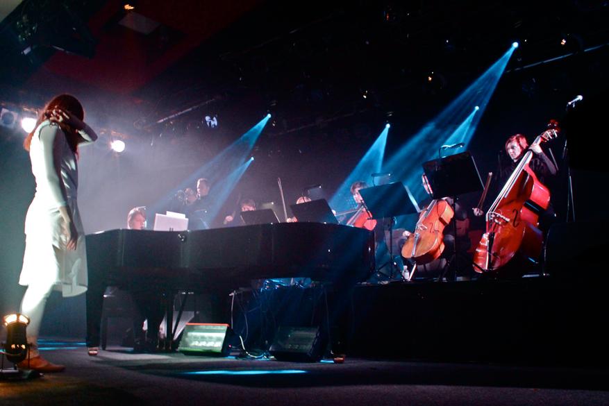 Ein schauriges wie wunderschönes Konzert, eine intensive Ganzkörpererfahrung.