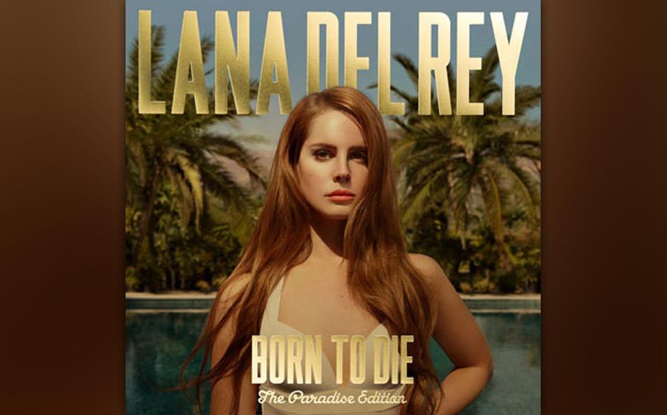 """Nach einem Top-Ten-Debüt ihrer """"Paradise""""-EP, sackte die Platte eine Woche später auf Platz 76 ab."""