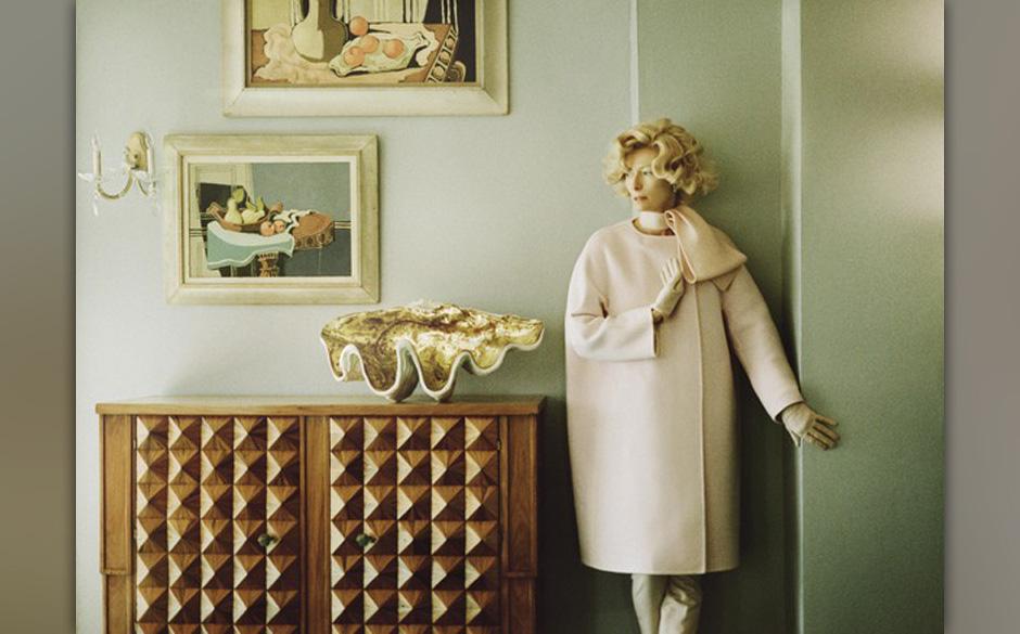Tilda Swinton als klassische Vorstadt Frau