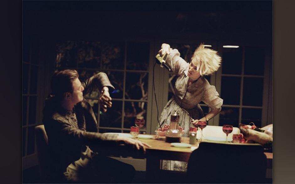 Tilda Swinton wird beim Abendessen verrückt