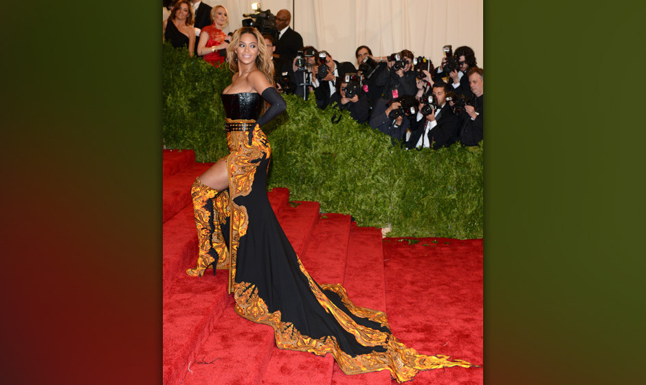 NEW YORK, NY - MAY 06:  Beyonce attends the Costume Institute Gala for the 'PUNK: Chaos to Couture' exhibition at the Metropo