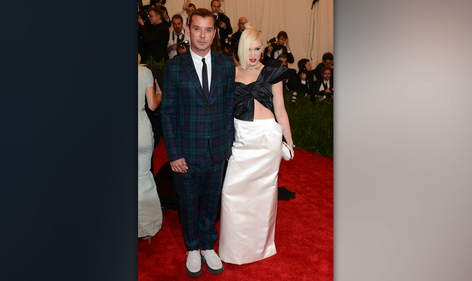 NEW YORK, NY - MAY 06:  Gavin Rossdale and Gwen Stefani attends the Costume Institute Gala for the 'PUNK: Chaos to Couture' e