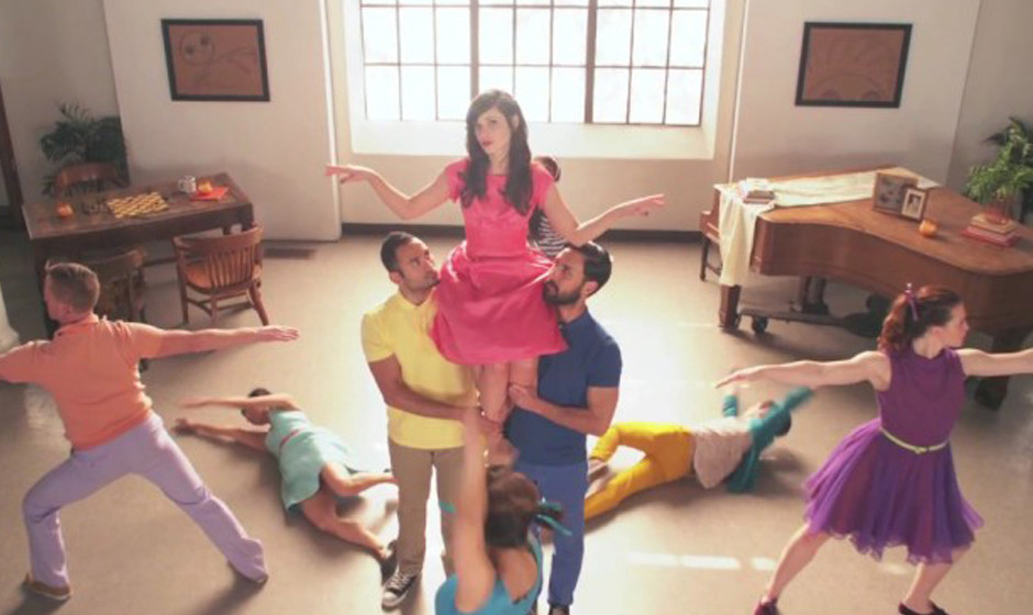 Zooey Deschanel im neuen Video