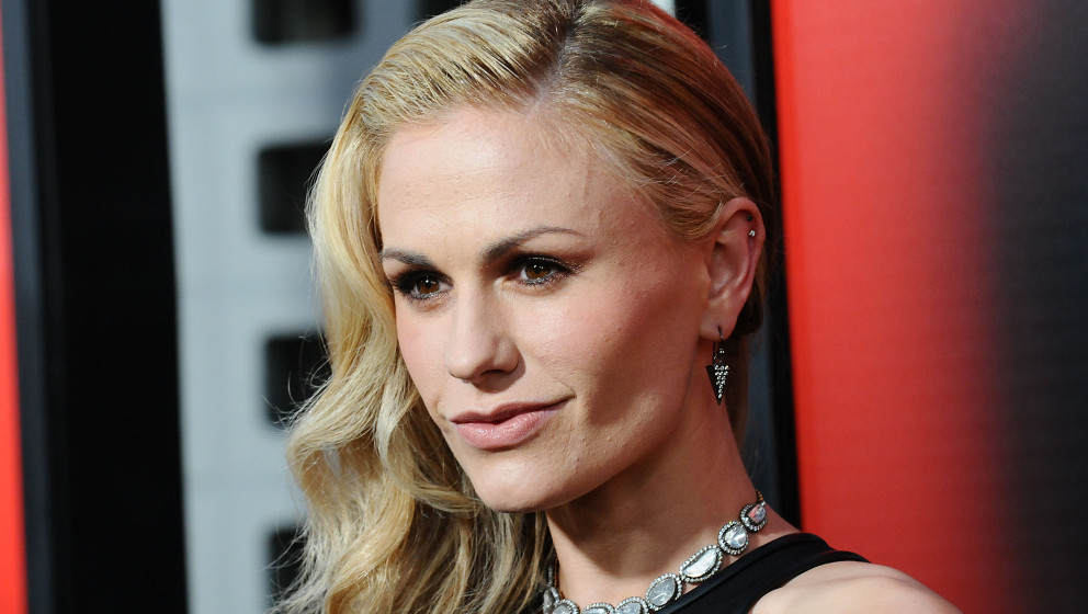 HOLLYWOOD, CA - JUNE 11:  Actress Anna Paquin attends the season 6 premiere of HBO's 'True Blood' at ArcLight Cinemas Cineram