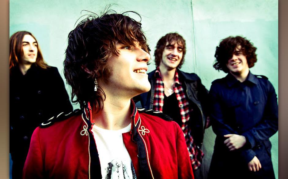 The View: Zum ersten Best-of-Album der Schotten um Lockenpracht Kyle Falconer, SEVEN YEAR SETLIST, kommt nun noch die dazugeh