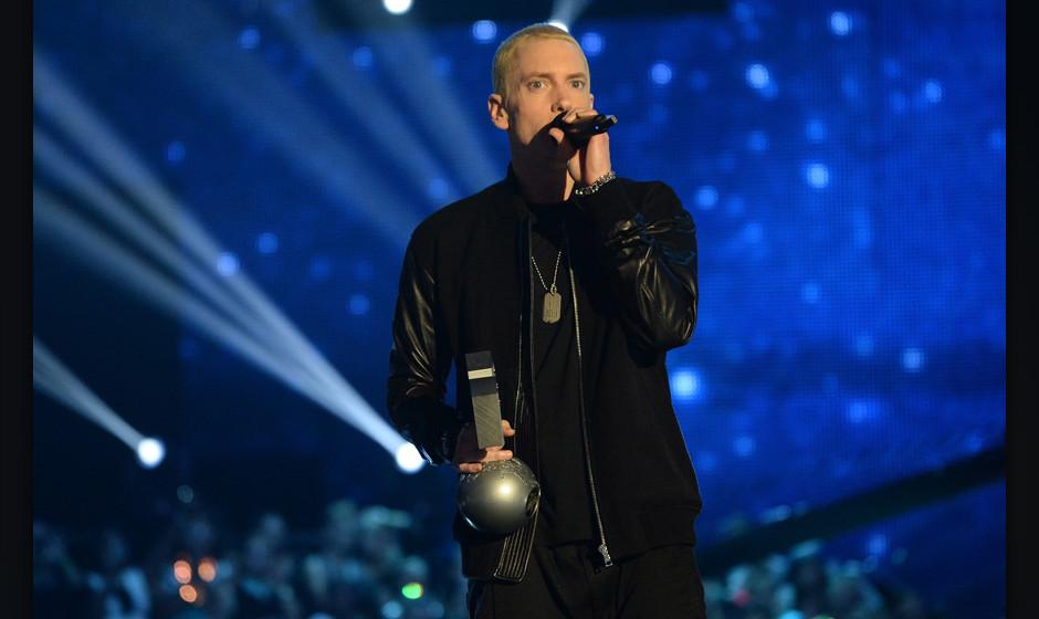 AMSTERDAM, NETHERLANDS - NOVEMBER 10:  Eminem accepts the Best Hip Hop award onstage during the MTV EMA's 2013 at the Ziggo D