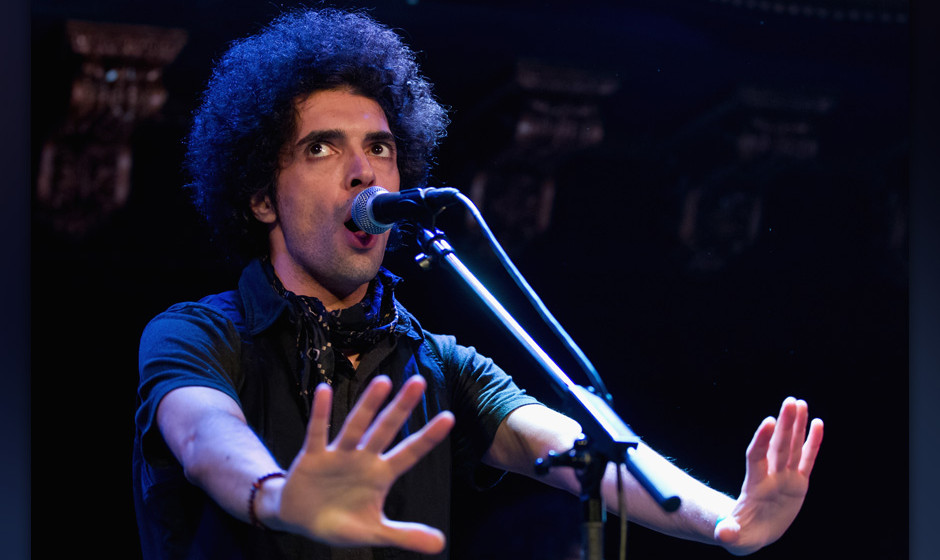 SAN FRANCISCO, CA - FEBRUARY 28:  Vocalist Ali Eskandarian of The Yellow Dogs performing at Noise Pop Festival in Great Ameri