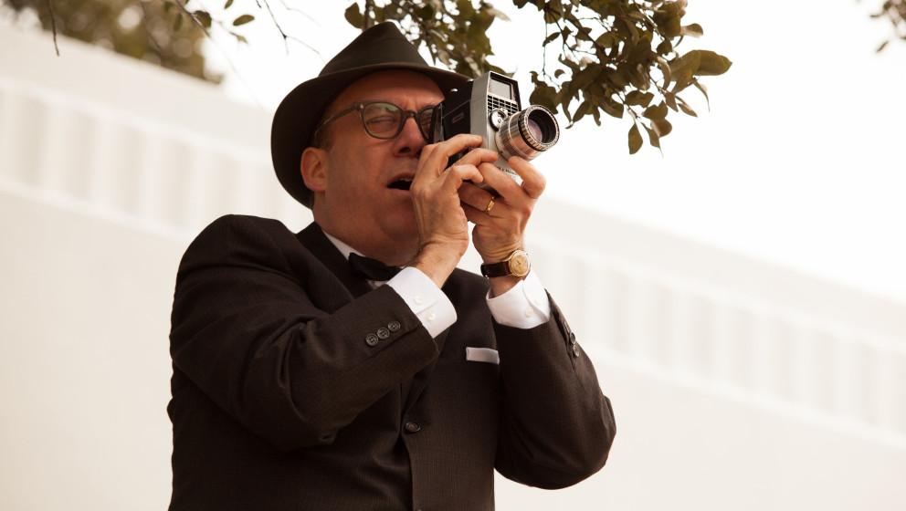 Hobbyfilmer Zapruder (Paul Giamatti) in Parkland'. Seine Filmaufnahmen vom Attentat haben längst schon Verschwörungsgeschic