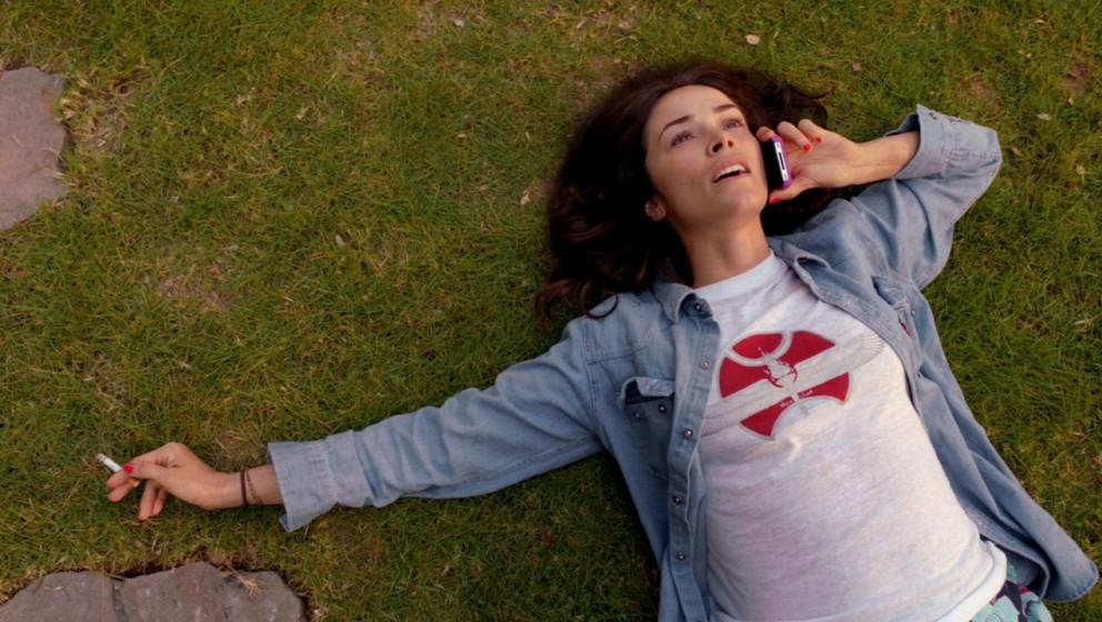 Abigail Spencer als Daniels Schwester Amantha, die immer an die Unschuld ihres Bruders geglaubt hat.