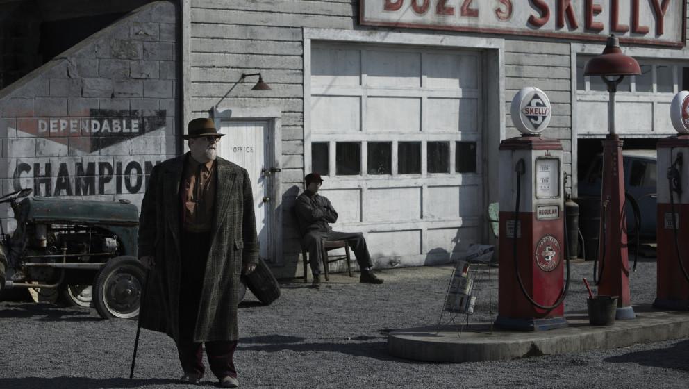 Roland Turner (John Goodman) als alter Jazz-Musiker on the road…