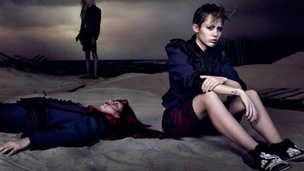 Weil Jürgen Teller 'Nein' sagte, schoss David Sims dieses Foto: Miley Cyrus posiert für Marc Jacobs.