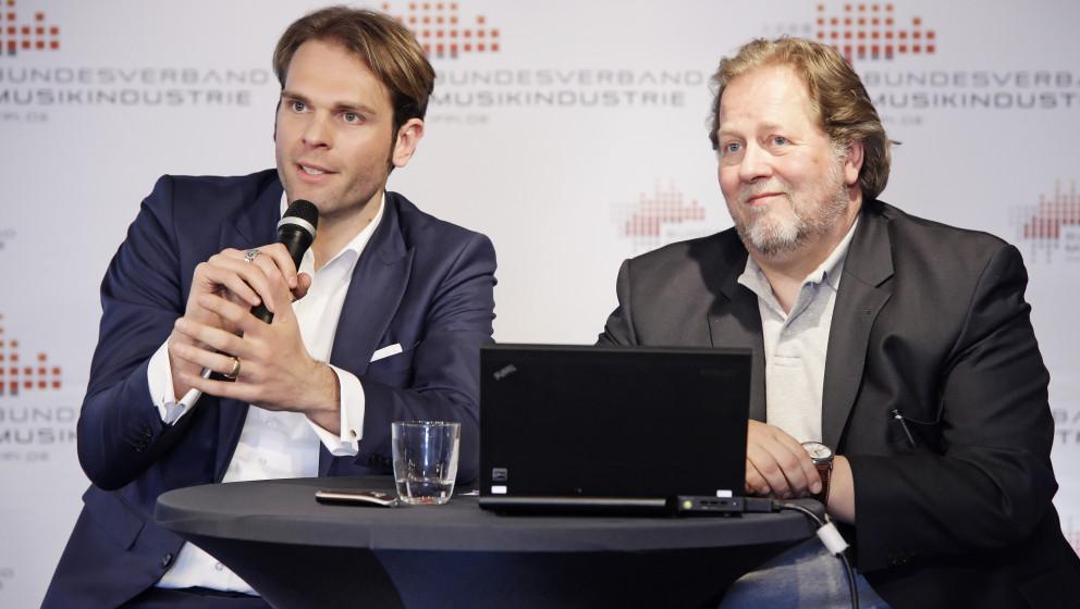 Florian DrŸcke und Dieter Gorny bei der Jahrespressekonferenz des Bundesverbandes Musikindustrie e.V. am 19.04.2012 im nhow,