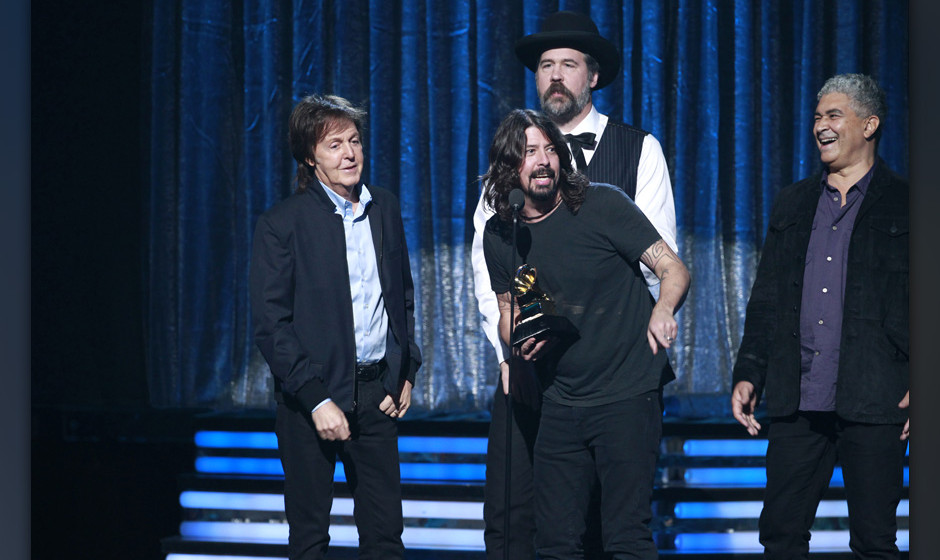 Image #: 26815270    Krist Novoselic, Paul McCartney, Pat Smear, and Dave Grohl accept the award for Best Rock Song award for
