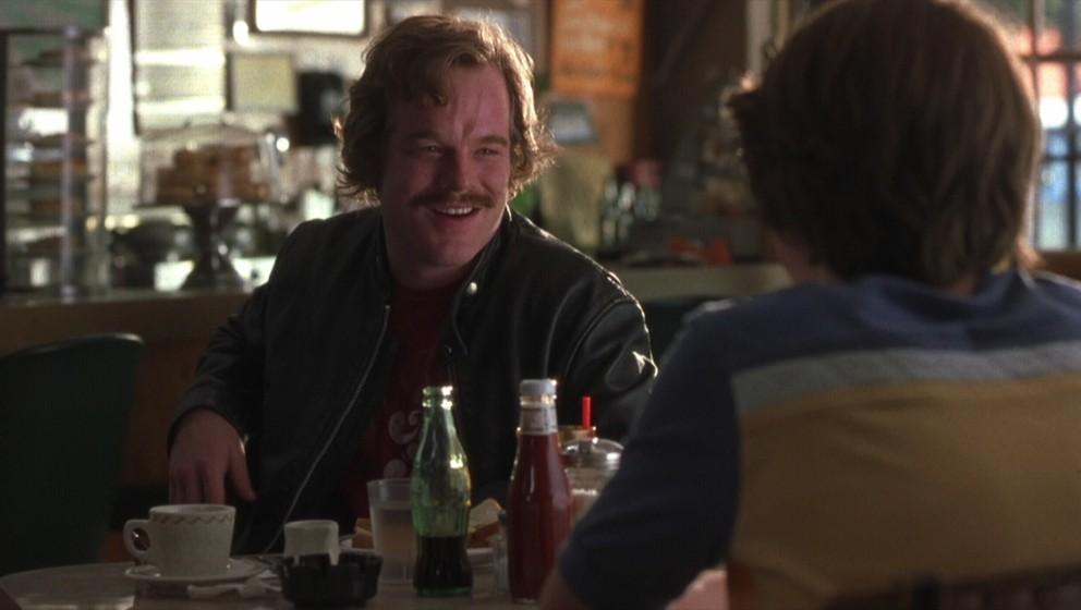 Zwar nur in einer Nebenrolle, jedoch eine der vernünftigsten Stimmen im Film um flüchtigen Ruhm und noch flüchtigere Freun