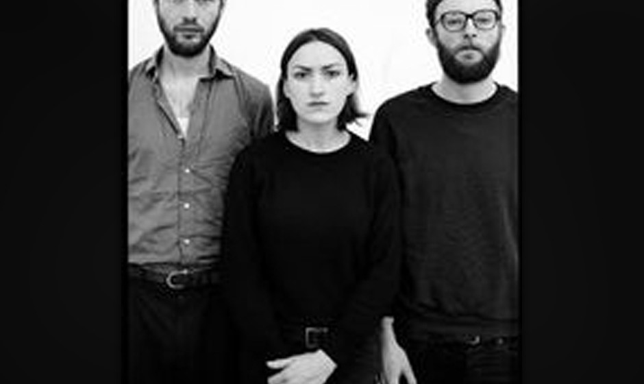Esben And The Witch haben eine Crowdfunding-Kampagne für ihr neues Album gestartet.