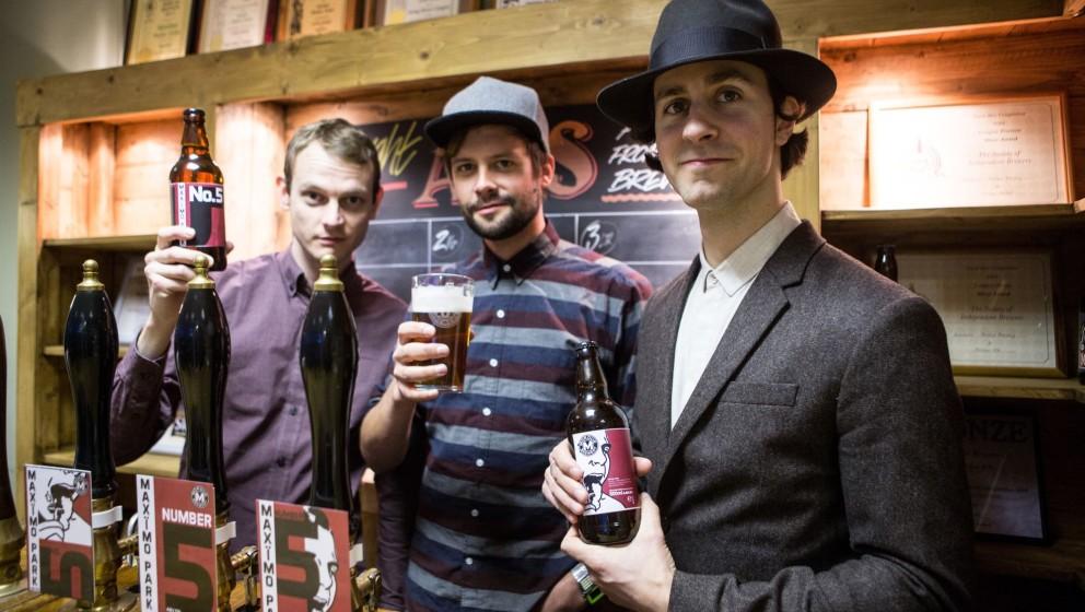 Maxïmo Park haben nicht nur ein neues Album, sondern auch ein eigenes Bier am Start.