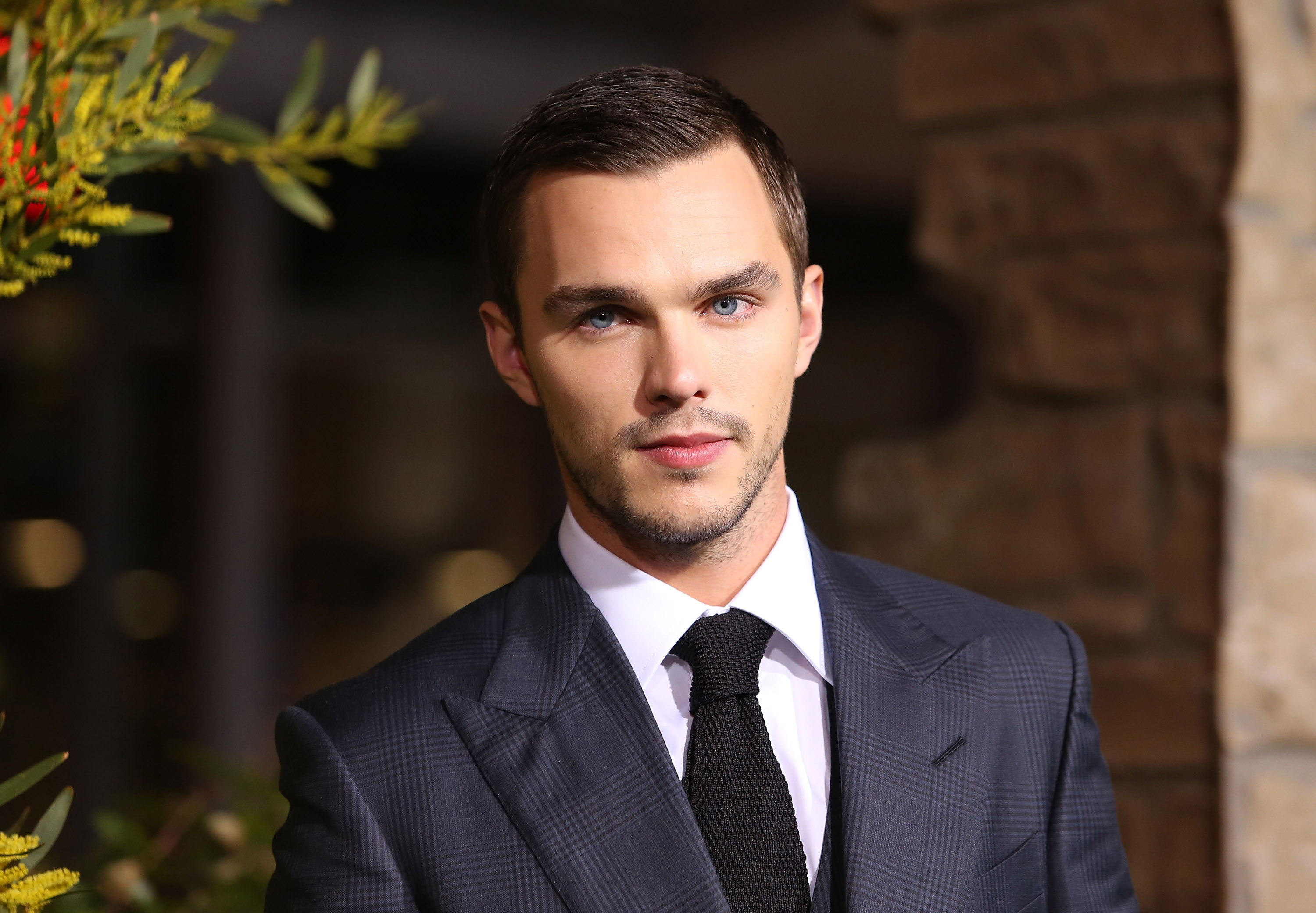 HOLLYWOOD, CA - FEBRUARY 26:  Nicholas Hoult arrives at the Los Angeles premiere of 'Jack The Giant Slayer' held at TCL Chine
