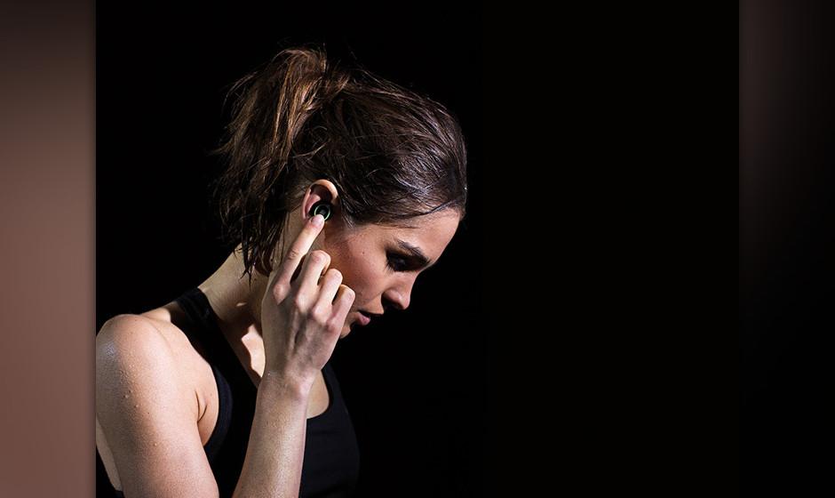 ...neben dem Telefonieren sowohl als In-Ear-Headsets  mit Infrarot-Technik ausgestattet sein, als auch..