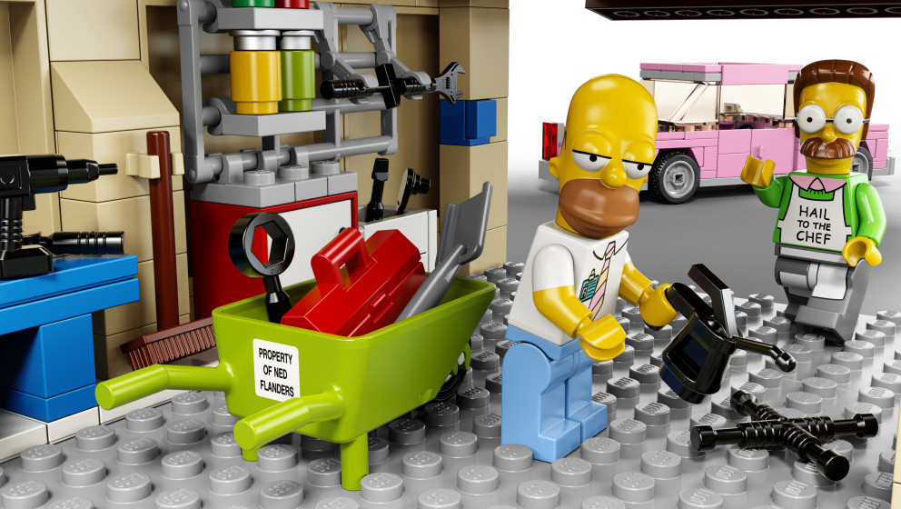 Top-Panel: Spingfield's Finest im Lego-Look. Sogar die Schubkarre wird Ned Flanders zugeschrieben...