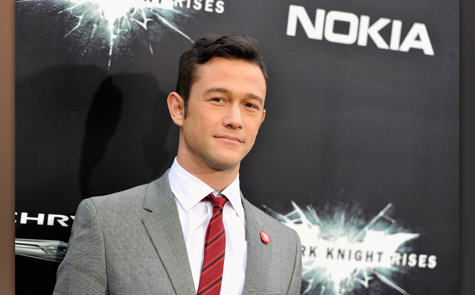 NEW YORK, NY - JULY 16:  Actor Joseph Gordon-Levitt attends 'The Dark Knight Rises' premiere at AMC Lincoln Square Theater on