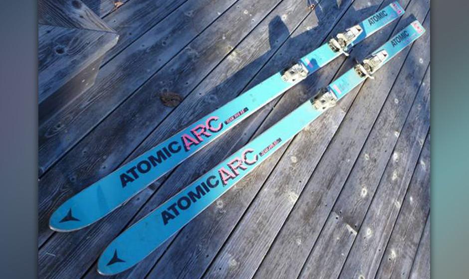 ...alte Skier,...