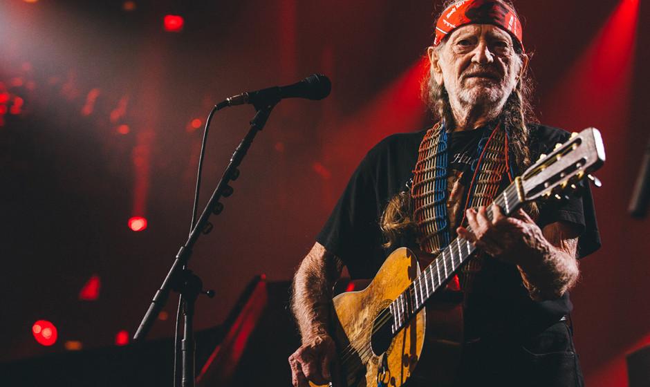 89. Willie Nelson: Natürlich ist Willie Nelson ein Country-Sänger. Aber nicht nur. Nelson phrasiert anders als im Genre üb