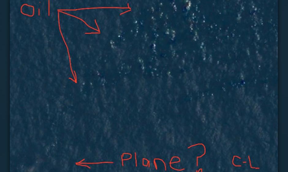 Ölteppiche und das versunkene Flugzeug...