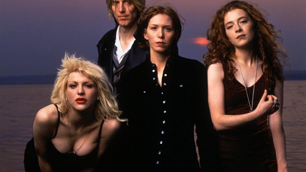 Courtney Love, Eric Erlandson, Patty Schemel und Melissa auf der Maur sind seit 2002 zum ersten Mal wieder als Hole auf Tour