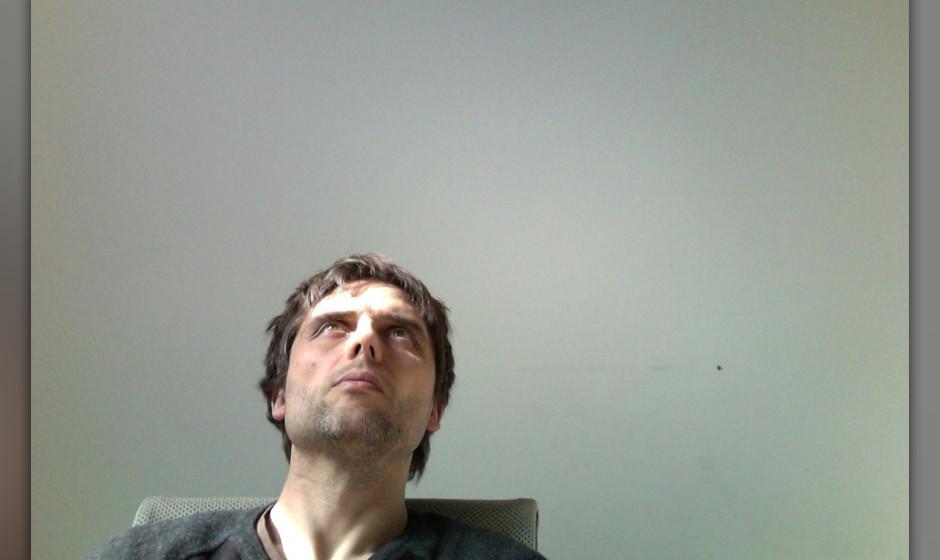 Was sucht er bloß? ME-Redakteur Oliver Götz - seine aktuellen Lieblingslieder hat er ja schon gefunden.