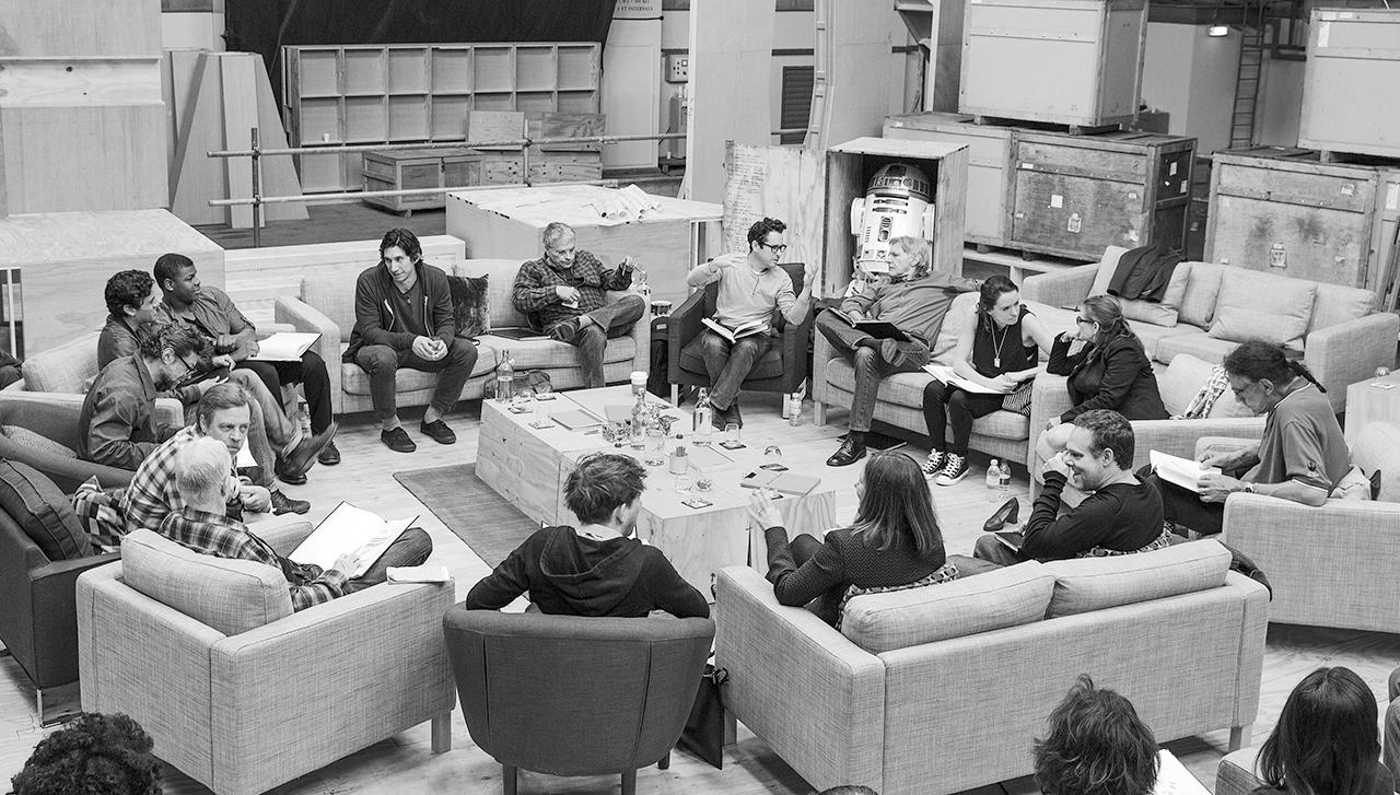 Schaut genau hin: Diese illustre Runde werdet Ihr bald in 'Star Wars: Episode VII' wieder sehen